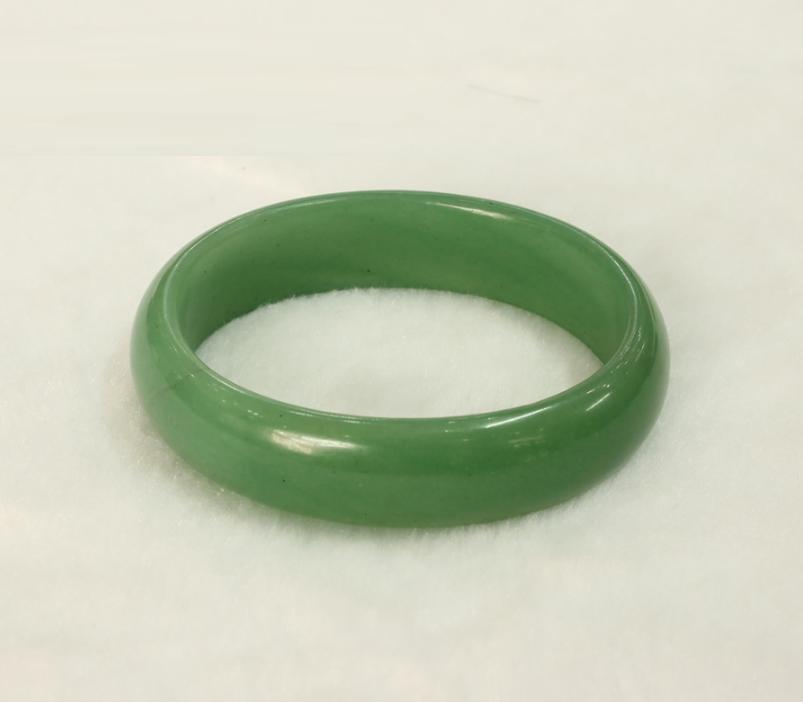 密玉 贵妃玉石手镯 椭圆形 口径5.6cm